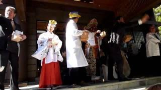 2011年2月3日 館山市にある安房神社で さかなクンが豆まきをしま...