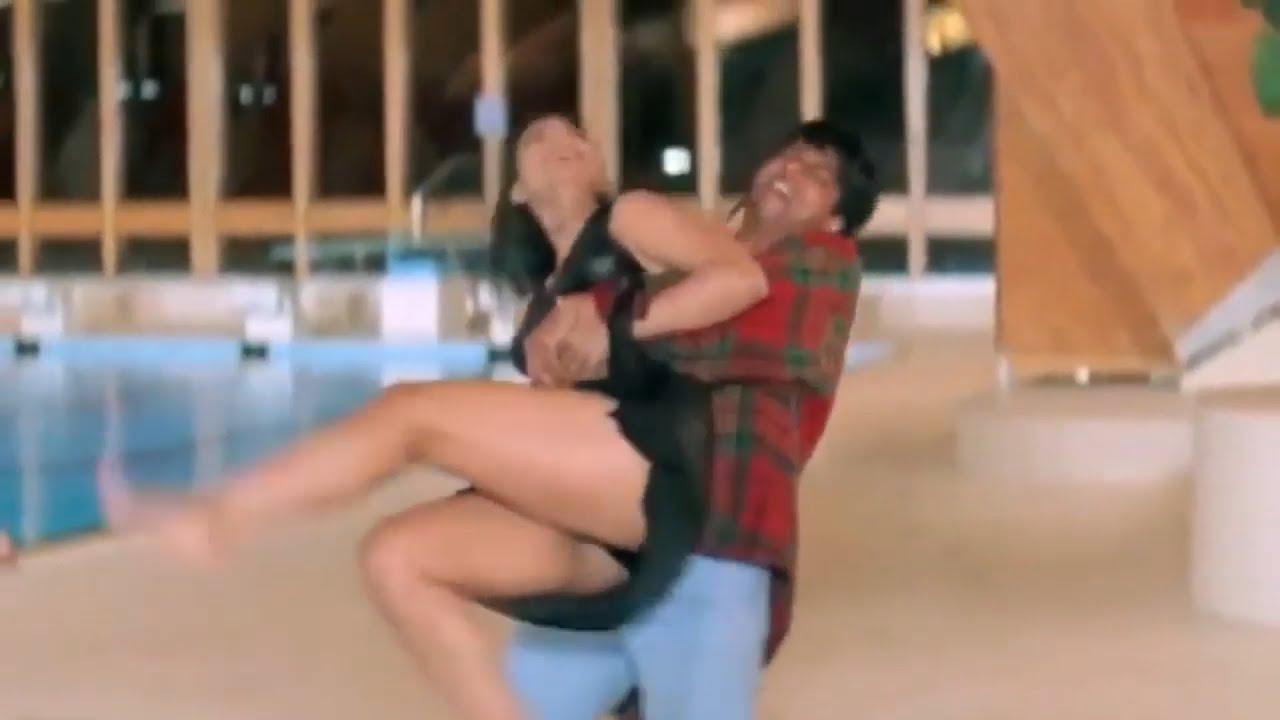 Download Bollywood actress Kajol big ass |Gaand