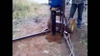установка для монтажа винтовых свай(Малогабаритная электрическая установка для завинчивания 3-х метровых 108-и мм винтовых свай. 1690 нм 12.5 об.м..., 2013-10-17T08:46:32.000Z)