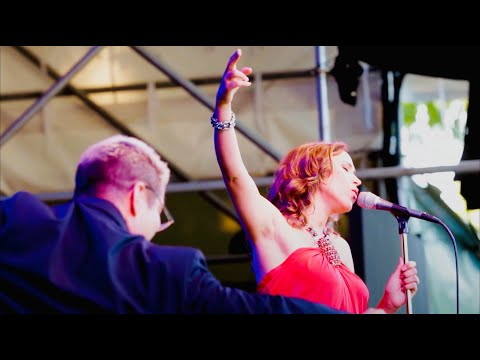 Pink Martini (with singer China Forbes) - Sympathique