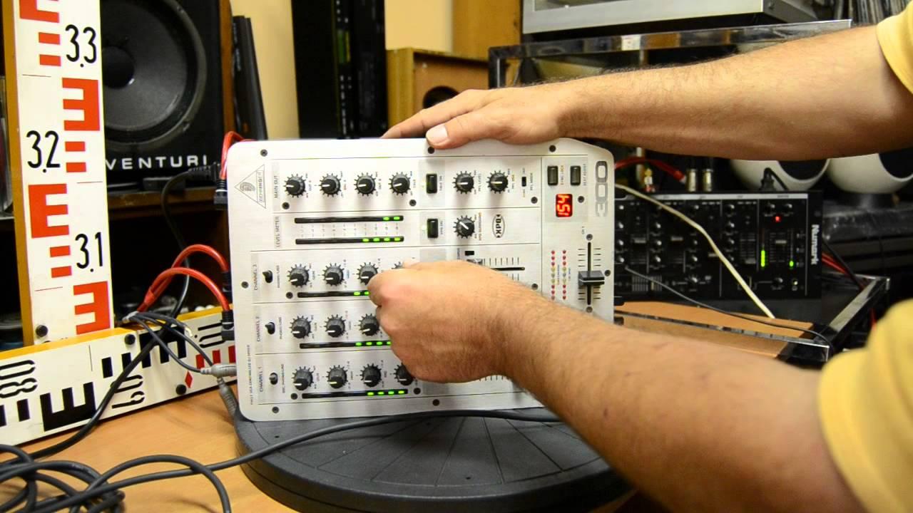 Behringer vmx 300 pro mixer 2000's   reverb.