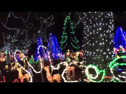 Christmas Lights on Meadowview in Longview, TX - Christmas Lights On Meadowview In Longview, TX - YouTube