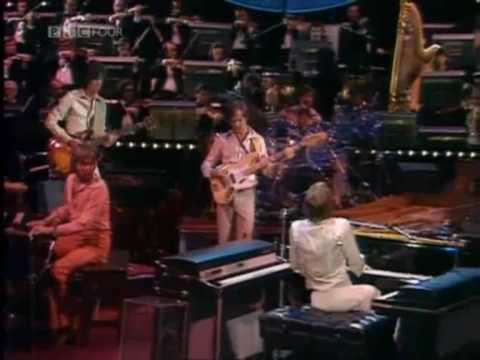The Carpenters Live At The New London  - Goodbye to love