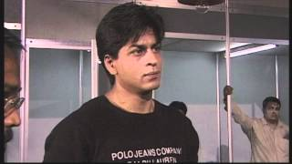 "Shahrukh Khan on the set of ""One 2 Ka 4"" (Excerpt from ""Mumbai Masala - Bollywood Film Industry"")"