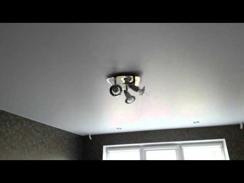Матовый натяжной потолок популярно и практично