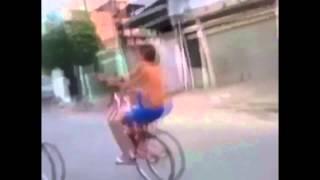 Прикол.Шутка.Смешное видео.Отвалилось колесо.У*ба*ся с велосипеда.