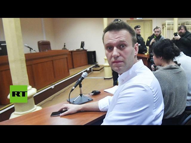 Un tribunal ruso condena al opositor Alexéi Navalny a una pena suspendida de 5 años