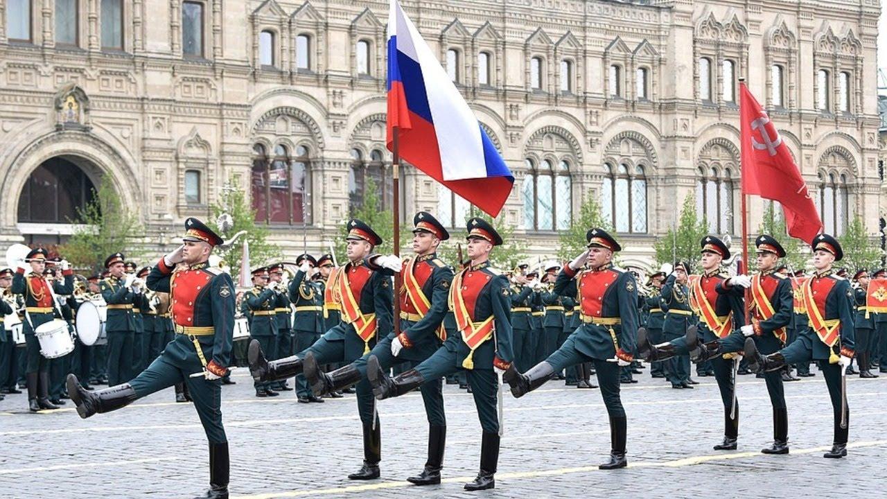 Владимир Путин принимает парад Президентского полка в День Победы