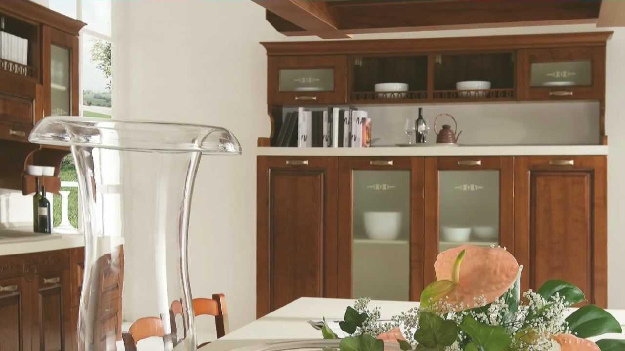 Arredamento in stile classico cucine e tradizioni by claris cucine arredi per la zona cottura - Arredare casa stile classico ...