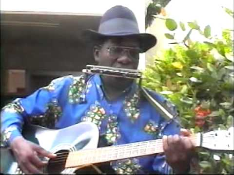 Togo music- Degbevi Alognon -- Les mains vides