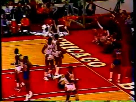 Michael Jordan 49 pts vs. Pistons -