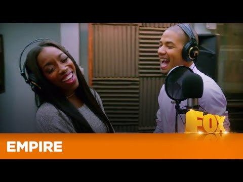 EMPIRE | Conqueror (feat. Estelle) Uit Unto The Breach | FOX
