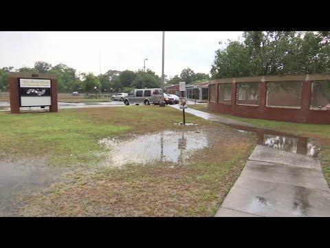 Lake Forest Elementary School closing