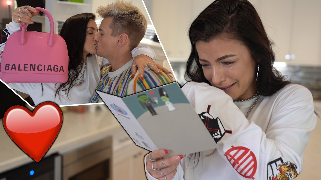 anniversary-gift-brings-girlfriend-to-tears-emotional