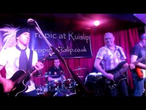 Simon Townshend (w/Mark Brzezicki) Casbah Club Set - Ruislip 2012