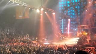Motley Crue live - Smoking in the Boys Room @ ACC 8.22.15