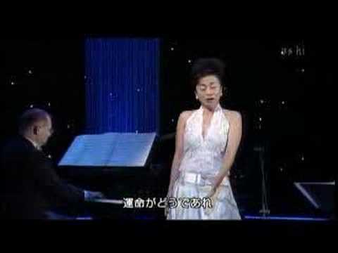 "Akiko Nakajima sings ""Einer wird kommen (F. Lehar)"