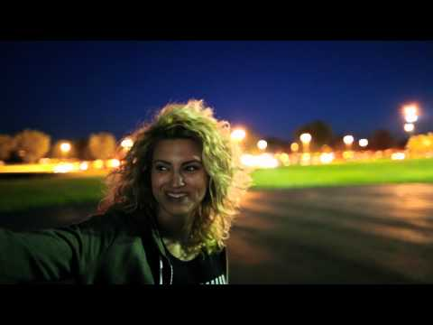 Tori Kelly - On Tour With Jewel (BTS)