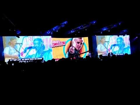 Tom Felton cantando en la Comic Con Argentina