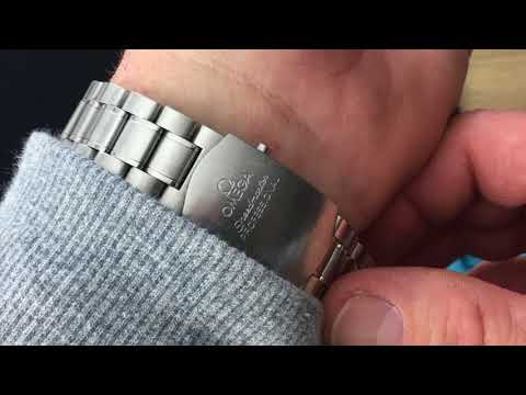 Tutorial:  Changing Your Watch Strap