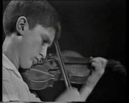 Tedi Papavrami plays: Paganini - Campanella (9 years old)