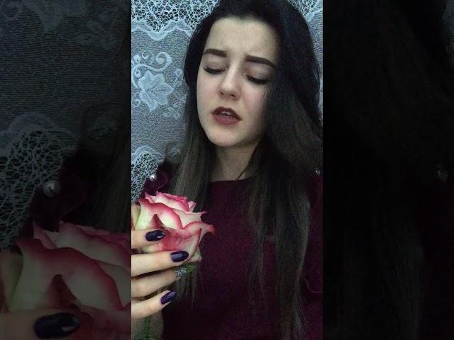 Изображение предпросмотра прочтения – ОльгаПопова читает произведение «Я помню, любимая, помню» С.А.Есенина