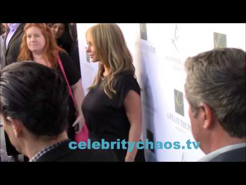 Sexy Jennifer Love Hewitt arrives to her Maternity Collection Launch thumbnail
