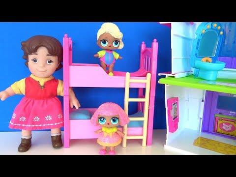 LOL bebek ranzadan iniyor LOL Bebek sürpriz yumurta piyano çalıyor oyuncak ile ranza kavgası şakası