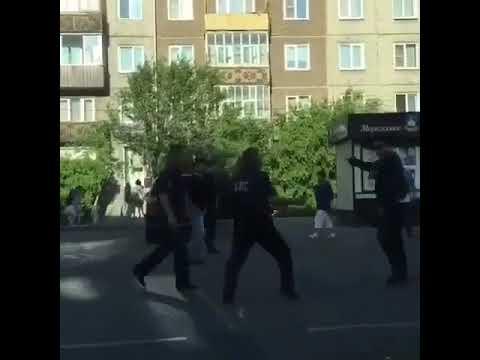 Житель Улан-Удэ напал на полицейских с ножом