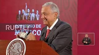 Mexico: AMLO shows media his