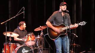"Luke Bryan ""Most People Are Good"" at CRS 2018"