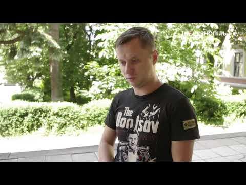 UA: Тернопіль: Контейнер для одягу у Тернополі переповнений