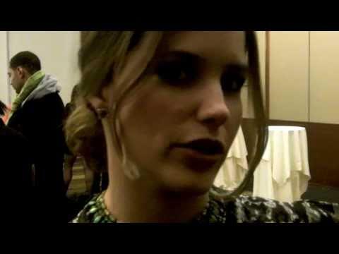 One Tree Hill scoop: Lucas & Peyton won't be back for Brooke & Julian's wedding