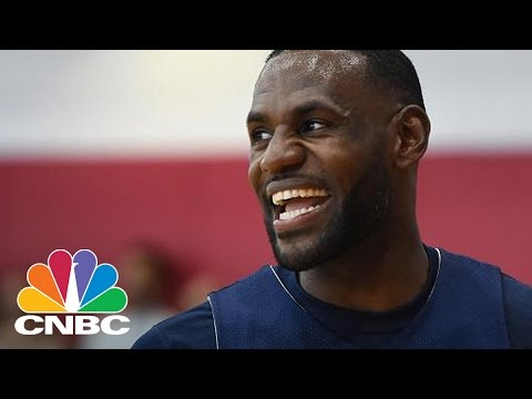 LeBron James' Nike Endorsement Deal Could Be Worth $1B: Bottom Line | CNBC