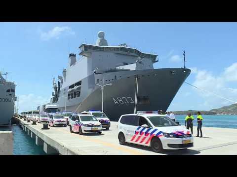 Zr. Ms. Karel Doorman vertrekt uit Sint Maarten