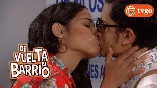 ¡Estela acepta ser enamorada de Fideito! - De Vuelta al Barrio 17/12/2018