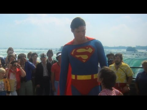 Superman 2 - Sups saves boy