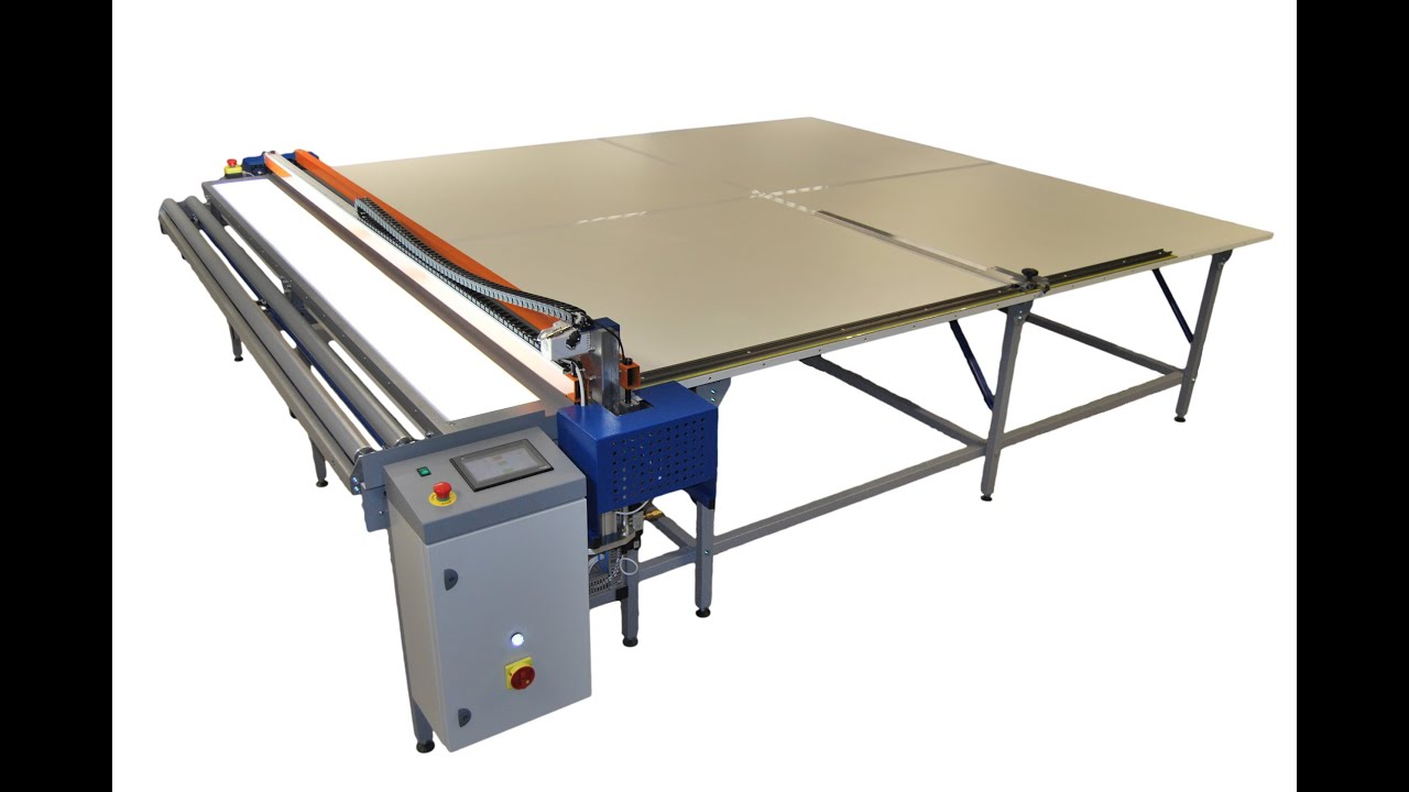 Cutting table for roller blinds REXEL US
