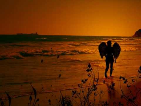 Israel Kamakawiwo'ole - Somewhere Over The Rainbow \u0026 What A Wonderful World