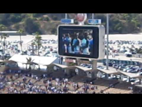 Lin Yu Chun 林育群 (Taiwanese boy who sings like Whitney Houston) performs at Dodger Stadium!!!