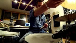 DRUM LESSON J.J. FLUECK: Half Time Shuffle (Purdie, Bonham, Porcaro)