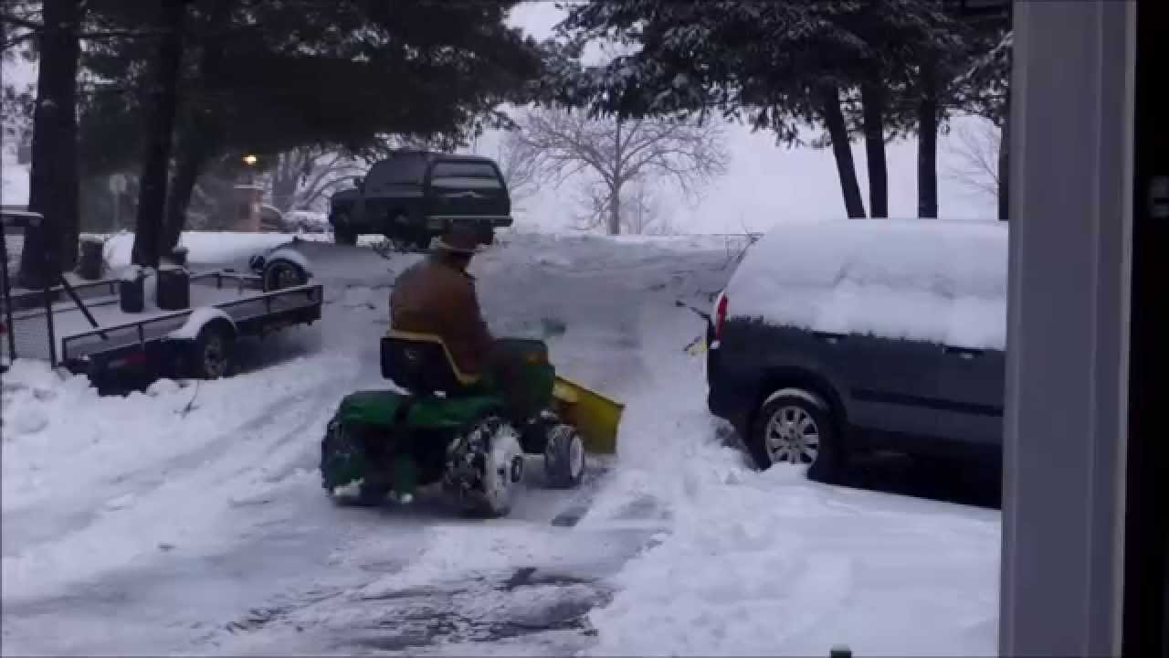John Deere 116 Snow Plow : John deere plowing snow youtube