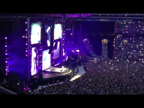 Ed Sheeran - Kiss Me & Thinking Out Loud [live @ Wembley Stadium, 12/07/15] FULL SONGS