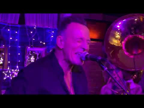 Don Action Jackson - Bruce Springsteen Jams At Small Cancer Benefit Show