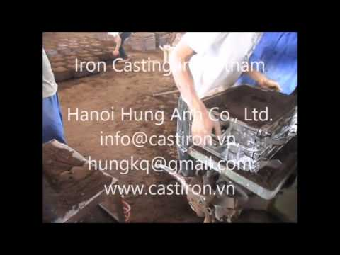 Sand pattern making at our iron casting foundry in Vietnam