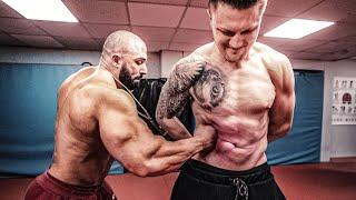 Michael Smolik vs Kevin Wolter - so lange Bauchboxen bis einer KO geht
