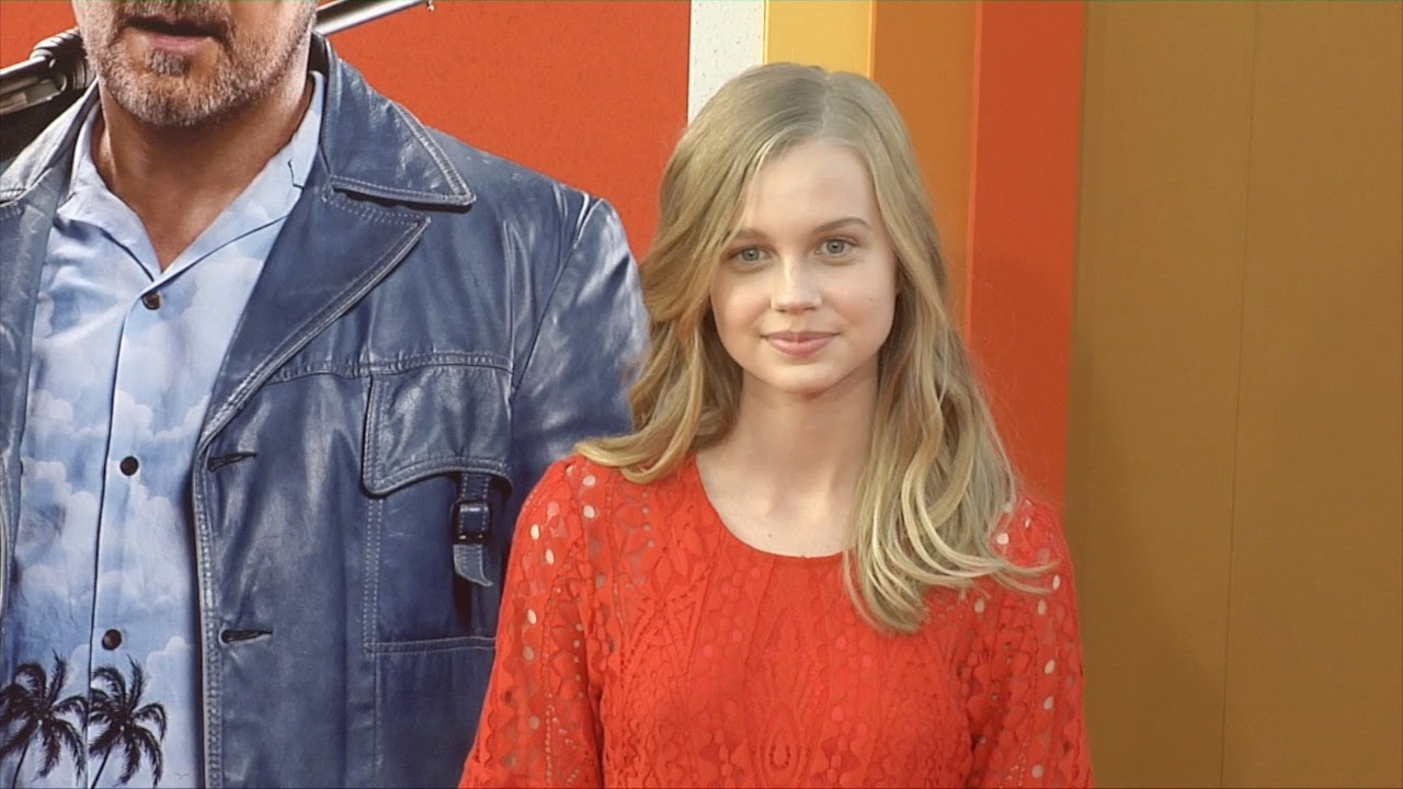 Red carpet background youtube - Angourie Rice Quot The Nice Guys Quot Premiere Red Carpet Youtube