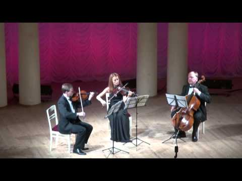 J.S.Bach Three parts inventions (sinfonias)