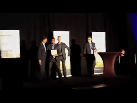 Ashish Saxena Accepts Informatica Elite Partner of the Year Award
