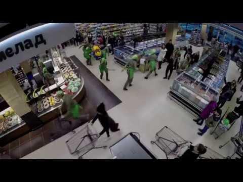 Flashmob in supermarket